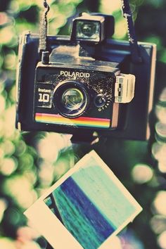 Cool vintage pic of a camera