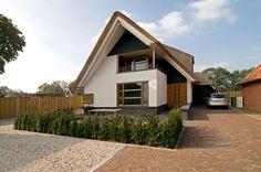 boerderij villa's - Google zoeken Modern Barn House, Modern House Plans, Style At Home, Dutch House, Rest House, European House, Modular Homes, Modern Architecture, House Design