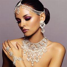 Arabia Jewellery @}-,-;--