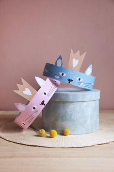 Trey DIY paper Kitty crowns, the fun Cat Crowns for Fun & Games with Paper Toy Creativity Diy For Kids, Crafts For Kids, Crown Printable, Free Printable, Diy Party Hats, Crown For Kids, Paper Crowns, Diy Crown, Diy Hat