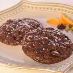 Dark Chocolate Truffle Cookies with Pistachios, Orange & Sea Salt (Easy; 12 cookies) #darkchocolate #truffle #cookies