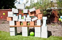 Make your own Angry Birds! Just use some cardboard boxes. and some sort of thing to fling the bird at the contraption (I have NEVER played Angry Birds but my preschoolers tell me ALL The time about it. Cumpleaños Angry Birds, Festa Angry Birds, Backyard Play Spaces, Backyard Games, Backyard Ideas, Pool Games, Bird Birthday Parties, Boy Birthday, Birthday Ideas