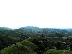 Imagen del paisaje alrededor de Filandia, Quindio visto desde el mirador.