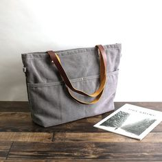 Marvelous Make a Hobo Bag Ideas. All Time Favorite Make a Hobo Bag Ideas. Bridesmaid Tote Bags, Bridesmaid Gifts, Leather Bags Handmade, Handmade Bags, Backpack Purse, Crossbody Bag, Purse Organization, Black Purses, Fashion Bags