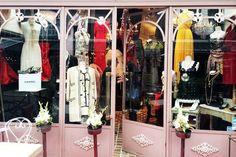 How to shop the Clignancourt flea markets in Paris