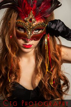 That masquerade mask tho Masquerade Ball Party, Vampire Masquerade, Masquerade Masks, Beautiful Mask, Beautiful Girl Image, Steampunk Gas Mask, The Mask Costume, Red Mask, Female Mask