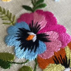 Pansy #tablecloth #traycloth#embroidered #linen #neverused#antique…
