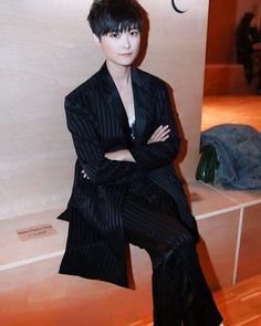 RT Wildhuhu: #李宇春##LiYuchun #concert #fashionweek #singer #fashion #beauty #style#instafashion #pretty #love #beautiful #vogue #  http://twitter.com/SpacebagRecords/status/707413445843484673 March 08 2016 at 07:51PM