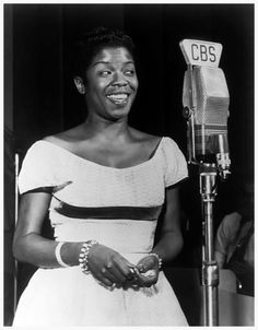 Sarah VAUGHAN, American singer and piano player Collection F.Driggs