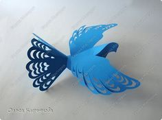 Paper Lace, Crepe Paper, Kirigami, Pvc Projects, Projects To Try, Christmas Paper, Christmas Ornaments, Pvc Pipe Crafts, Paper Birds