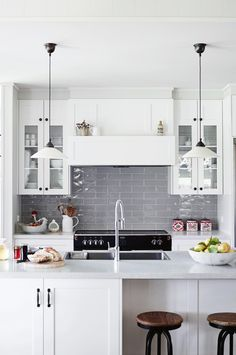 20 country kitchen design ideas crisp white traditional kitchen with grey tile splashback, at Haven Red Hill B&B New Kitchen, Kitchen Decor, Kitchen Modern, Kitchen Centerpiece, Centerpiece Ideas, Modern Farmhouse, Hamptons Kitchen, Country Kitchen Designs, Country Kitchens