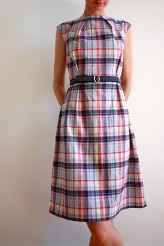 cute retro summer dress pattern...LOVE this...LOVE plaid...time to dust off the sewing machine.