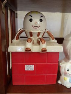 Humpty Dumpty cookie jar by Mrs Hoffy, via Flickr