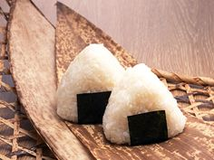onigiri I so need to try these!!