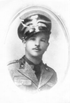 Giovanni Rossetti. Died on the Russian front, 25 Jan 1943. Had a young daughter and wife in Venice.