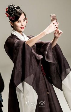 Check out SNSD SeoHyun's BTS pictures from the pictorial of 'Moon Lovers: Scarlet Heart Ryeo'