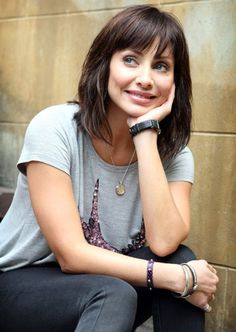 I love all Natalie Imbruglias Hairstyles...I really do...I used to pin her shorter ones when I had shorter cuts.