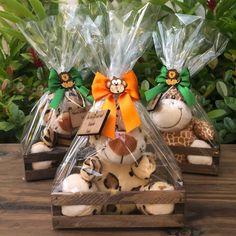23 Clever DIY Christmas Decoration Ideas By Crafty Panda Safari Theme Birthday, Jungle Theme Parties, First Birthday Party Themes, Wild One Birthday Party, Safari Birthday Party, 1st Boy Birthday, Safari Party Decorations, Safari Party Favors, Festa Safari Baby