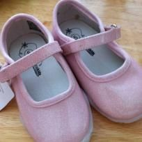 Genuine kids by osh kosh pink sparkle shoes nwt toddler 5 Sparkle Shoes, Cute Babies, Sneakers, Pink, Baby, Fashion, Tennis, Moda, Slippers