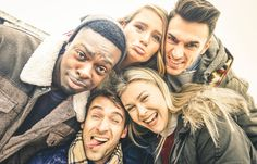 Best friends taking selfie outdoor on autumn winter clothes - happy youth concept with multiracial people having fun together - cheer and friendship against Friends Are Like, Real Friends, Close Friends, Unhappy Marriage, People Having Fun, Best Friendship Quotes, Friends Laughing, Long Relationship, Picture Outfits