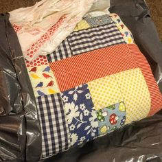 A parcel arrived in the post  👍✂️. #lovethequilt #textiles #fabric #sewn #sew #stitch #sewing #quilt #patchworkquilt #patchwork #quilting #stitchersofinstagram #stitchery #instacrafts #crafting #crafts #artsandcrafts #cottonandsteel