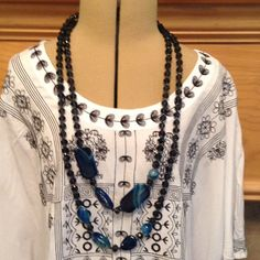 BLUE AGATE INFINITY NECKLACE DOUBLE STRAND 31 INC. Beautiful very well made Jewelry Necklaces