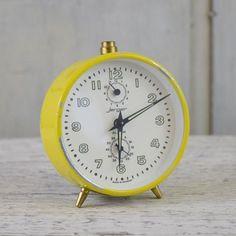 Vintage Jerger Wind Up Alarm Clock. Vintage Clocks, Antique Clocks, Alarm Clock, Watches, Retro, Yellow, Antiques, Vintage Watches, Projection Alarm Clock