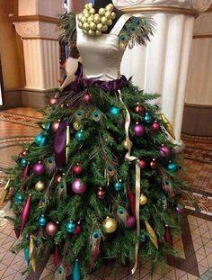 Christmas tree dress! Fab!