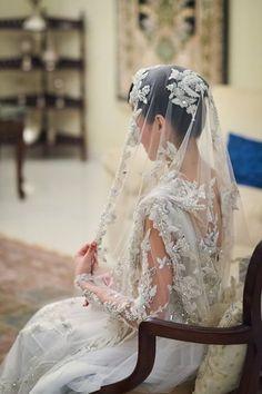 Pakistani bride in ghoongat Pakistani Wedding Dresses, Saree Wedding, Nikkah Dress, Desi Wedding, Wedding Attire, Wedding Hair, Wedding Bells, Wedding Bride, Pakistan Wedding
