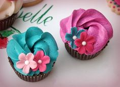 Colorful Engagement Cupcake Samples by Ban Bakes - In Paris, via Flickr