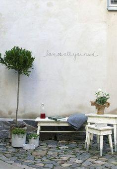 35 innergårdar som får dig att längta efter ljumma sommarkvällar | Sköna hem