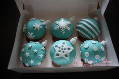 Christmas Themed Cake, Christmas Cupcakes Decoration, Holiday Cupcakes, Christmas Sweets, Christmas Cooking, Christmas Cakes, Christmas Ornaments, Fondant Toppers, Fondant Cupcakes