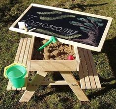 4 in 1 table + two benches + sandbox + chalkboard for your child. 4 in 1 table + two benches + sandbox + chalkboard for your child from the age of 3 years. The tabletop is made of black plate and is used as a chalkboard. Backyard Playground, Backyard For Kids, Diy For Kids, Childrens Sand Pit, Sand Pits For Kids, Kids Sandbox, Kids Bench, Kids Picnic Table, Diy Kids Furniture