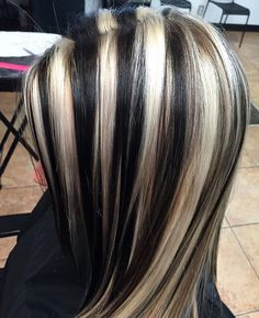 Golden Brown Balayage - 20 Best Golden Brown Hair Ideas to Choose From - The Trending Hairstyle Hair Color Streaks, Hair Color And Cut, Hair Color Highlights, Blonde Streaks, Chunky Highlights, Brown Hair With Blonde Highlights, Caramel Highlights, Hair Inspo, Hair Inspiration