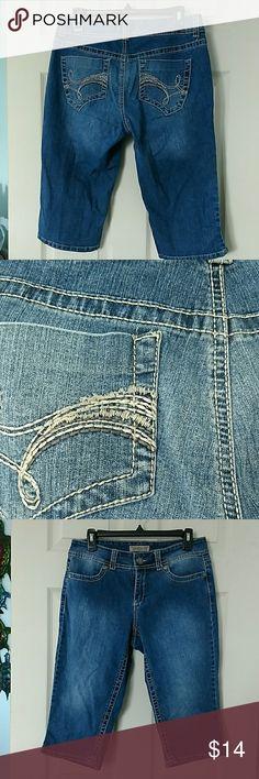 Vintage America capri jeans GUC size 8/29 Vintage America Jeans