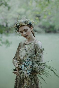 HELLO MAY - Vestido de novia, bridal wedding alta costura de Santoscostura @hellomaymag @santoscostura www.santoscostura.com