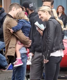 """Jennifer Morrison and Tim Phillipps - Behind the scenes - 6 * 3 """"The Other Shoe"""" - 3 August 2016"""