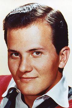 My idol growing up ! I adored him! Radios, Pat Boone, Vintage Television, Cool Magazine, Magazine Covers, Vintage Tv, Vintage Magazines, Watch Tv Shows, Episode Online
