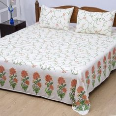 Sharrate provides premium range of luxury bedsheets where you get unique taste of collection for your bed rooms. Luxury Bed Sheets, Bed Sheets Online, Queen Sheets, Buy Bed, Bed Sheet Sets, Queen Size, Linen Bedding, Bedroom, Stuff To Buy