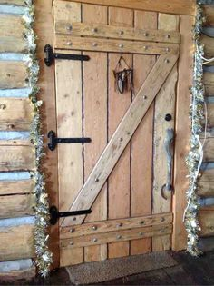 Log Home Front Door Log Home Building The Butt And
