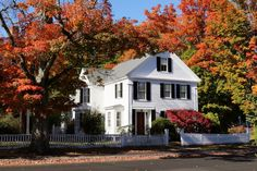New England Living: New England Autumn Village New England Homes, Autumn Home, Old Houses, Bungalow, Beautiful Homes, The Neighbourhood, Mansions, House Styles, Places