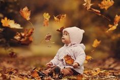 Fall is such a beautiful time for photos. Your baby changes so much in the first year, and it's so exciting to capture and document a child's life throughout the year. Fall is full of natural props and beautiful outdoor scenery that make taking photos so much fun. I've gathered a bunch of Fall inspiration when it comes to documenting your little one during this beautiful time of year. *The last photo in this slideshow is of my little guy (who's now 6!)...oh I can't handle ...