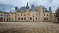 © 2016 Pedro M. Mielgo Francia. Castillo de Montaigne. Castillo fortificado del siglo XIV, que fue la residencia de la familia del filósofo y pensador renacentista Michel de Montaigne, que falleció en él, en 1592.