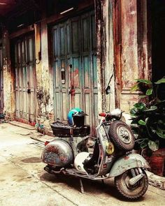 8 Miraculous Cool Tips: Car Wheels Design Dreams car wheels craft boys.Old Car Wheels Diy car wheels nissan skyline.Car Wheels Diy Tips. Scooters Vespa, Lambretta Scooter, Motor Scooters, Mobility Scooters, Vespa Vintage, Vespa Retro, Vintage Cars, Vintage Italy, Vintage Stuff