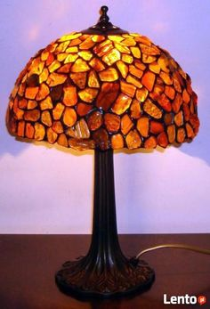 lampka witrażowa - Szukaj w Google Table Lamp, Lighting, Google, Home Decor, Lamp Table, Decoration Home, Light Fixtures, Room Decor, Table Lamps