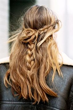 3-Le-Fashion-Blog-21-Braid-Ideas-For-Long-Hair-Half-Up-Bun-Wavy-Braided-Hairstyle-Via-Vanessa-Jackman