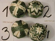 Dekorácie - vianočné ozdoby 47 -  8cm - 3185473 Folded Fabric Ornaments, Quilted Ornaments, Memorial Ornaments, Christmas Balls, Rose, Handmade, Crafts, Xmas, Scrappy Quilts