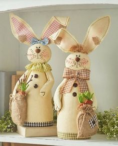 Celebrate the arrival of spring with the friendly faces of this Easter Bunny Decor Collection. The Lighted Metal Bunny x x has a rustic l Easter Crafts, Felt Crafts, Diy And Crafts, Spring Home Decor, Spring Crafts, Easter Bunny Decorations, Graphic 45, Sewing Projects, Holiday