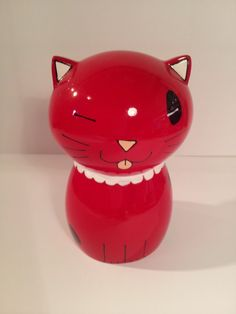 "Cat Statue ""Yoco"", in red resin, H 10 cm, for decoration or collection 