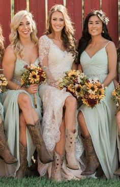 20 New Ideas For Wedding Country Attire Boots 20 New Ideas For Wedding Country Attire Boots Country Wedding Boots, Country Style Wedding Dresses, Barn Wedding Dress, Western Wedding Dresses, Cowboy Boots Wedding Dress, Country Weddings, Rustic Bridesmaid Dresses, Bridesmaids In Boots, Festivals